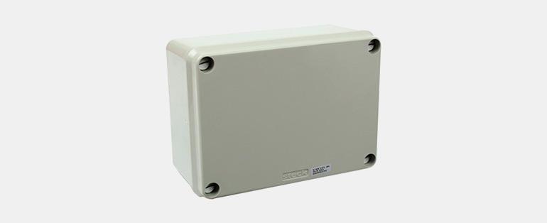 Eletricista: a importância do profissional qualificado - Caixa de Passagem 154x110x70 mm Cega - SSX161 - STECK | Blog Copafer
